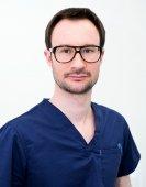 dr n. med.  Piotr  Diuwe