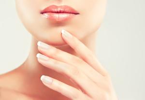 Lipofilling ust (powiększenie ust przeszczepem własnej tkanki tłuszczowej)